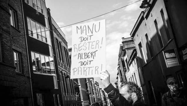 Manifestation devant le local et l'appartement de la rue des Renards, le 7 mai 2015.